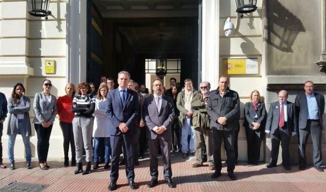 El delegado del Gobierno en Madrid, José Manuel Franco, participa en un minuto de silencio por el caso del asesinato machista de Fuenlabrada