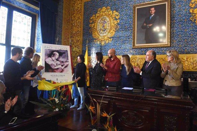 Patricia del Pozo en el Ayuntamiento de Algeciras presentando el Encuentro Interncional de Guitarra 'Paco de Lucía'