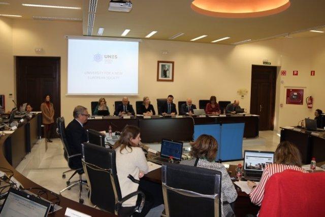 Vista general de la sala de Consejo de Gobierno de la Universidad de Córdoba