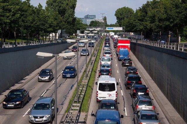 Tráfico, coches, vehículos, carretera, movilidad