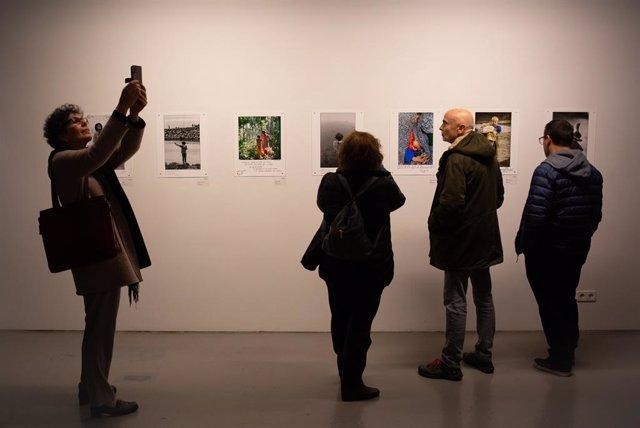 Exposició 'Llibertats perdudes' d'imatges pels drets humans organizada per Catalunya Mirades Solidàries