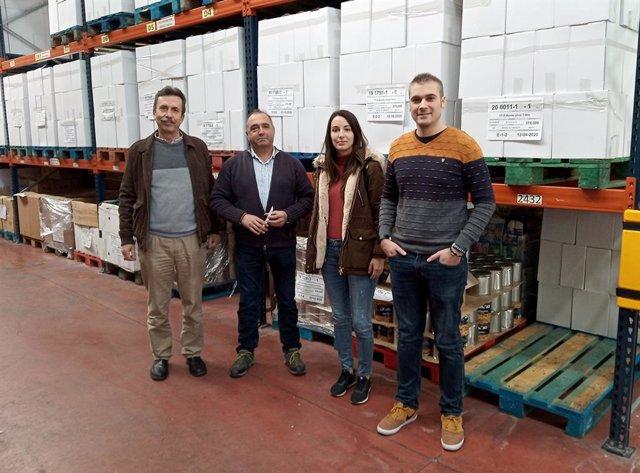 La AEGC dona al Banco de Alimentos 120 kilos de alimentos donados por las asiste