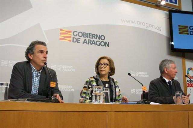 Francisco Javier Falo, Pilar Ventura y Javier Marión, responsables sanitarios en Aragón.