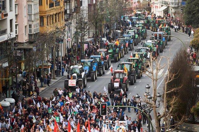 Manifestación del sector agrario en Santander