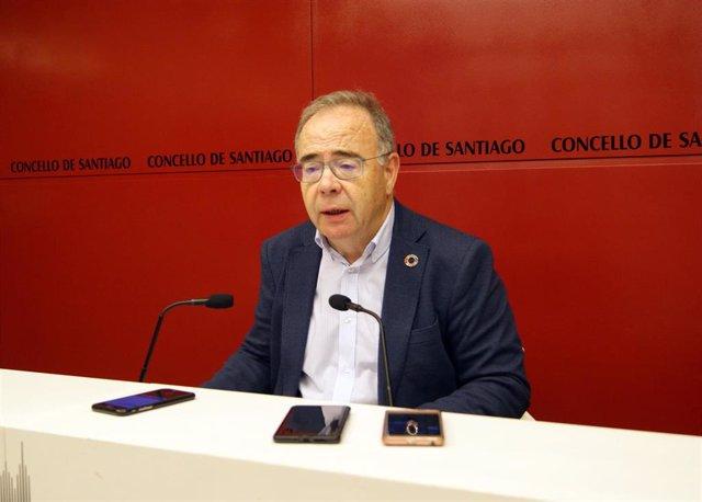 El alcalde de Santiago, Xosé Sánchez Bugallo, en rueda de prensa