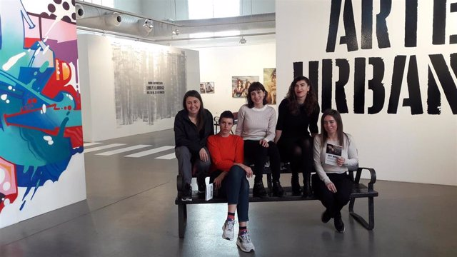 La Sala Amós Salvador acoge hasta el 17 de mayo, la exposición 'Arte Urbana', realizada por mujeres