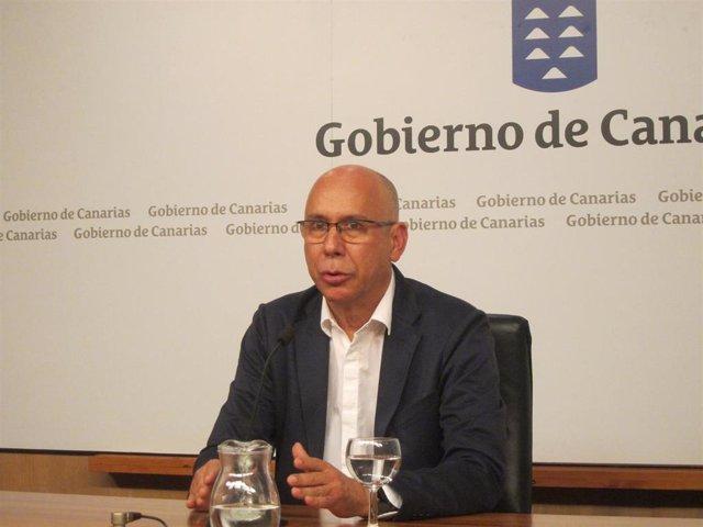 El jefe de Epidemiología del SCS, Domingo Núñez, en rueda de prensa