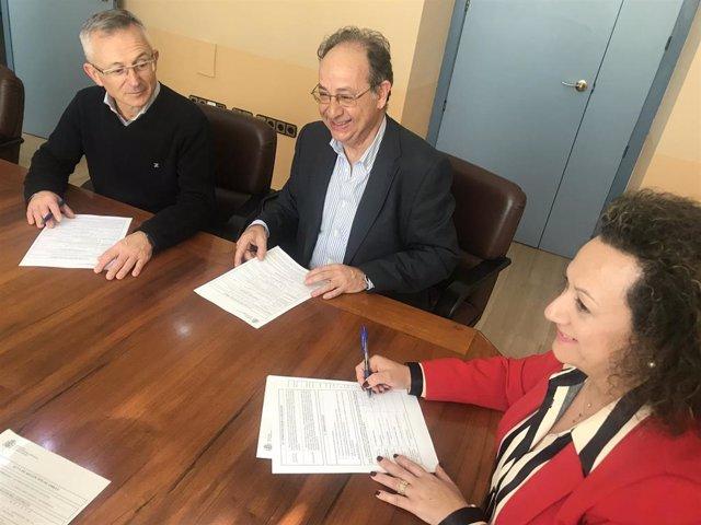 Yolanda Muñoz firma la recepción de las obras de acceso ferroviario a Escombreras