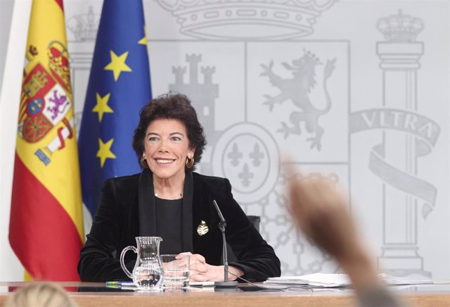 La ministra de Educación y Formación Profesional, Isabel Celaá, en una rueda de prensa tras el Consejo de Ministros el pasado mes de septiembre.