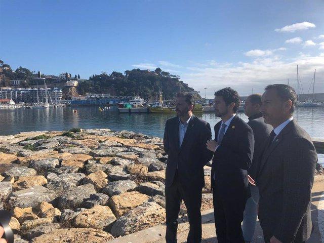 El conseller Dami Calvet visita el Port de Blanes (Girona)