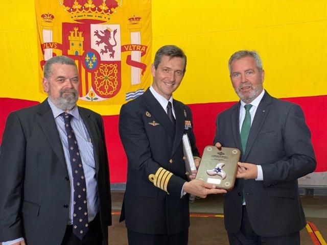 El Puerto de Motril abre sus puertas para que los ciudadanos visiten el Buque Castilla de La Armada.