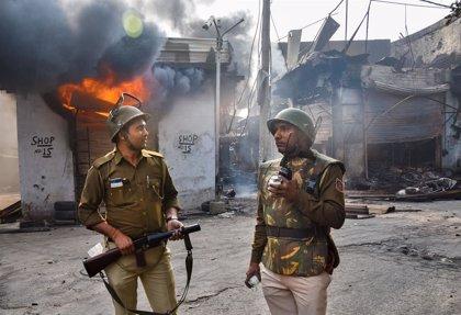India.- Toque de queda y suspensión de Internet tras las protestas contra la Ley de Ciudadanía en India