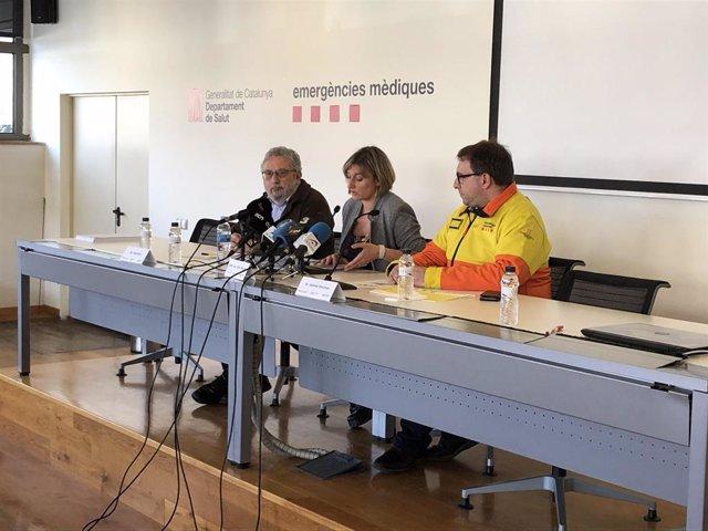 La consellera de Salut de la Generalitat, Alba Vergés; el secretari de Salut Pública, Joan Guix; i el director gerent del Sistema d'Emergències Mèdiques (SEM), Antoni Encinas
