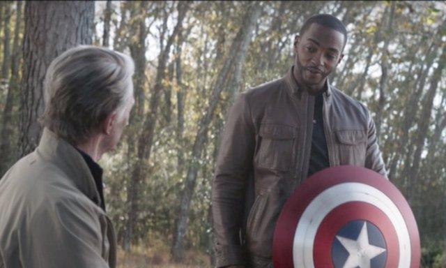 Steve Rogers da el releva a Falcon en Vengadores: Endgame