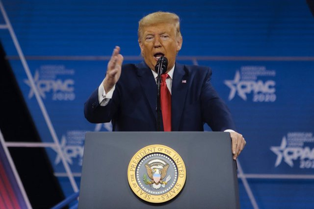 EEUU.- Trump bromea de nuevo sobre la designación de Thunberg como Persona del A
