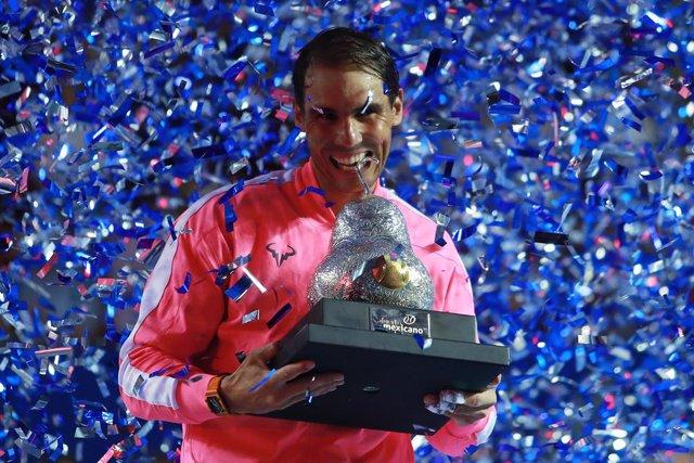 Tenis.- Rafa Nadal reina en Acapulco y alza su título número 85