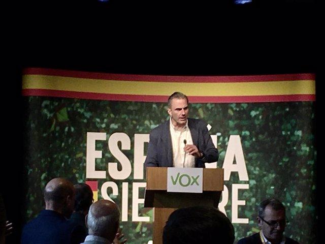 Javier Ortega Smith en un acte a Saragossa
