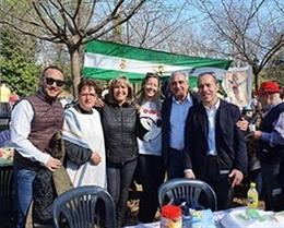 La presidenta de la Diputació de Barcelona, Núria Marín, amb el diputat Alfredo Vega, el president de la Fecac, Daniel Salinero, i membres d'Entitats