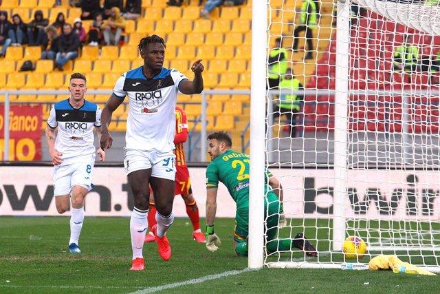 Fútbol/Calcio.- (Crónica) El Atalanta vuelve a golear y la Roma le persigue