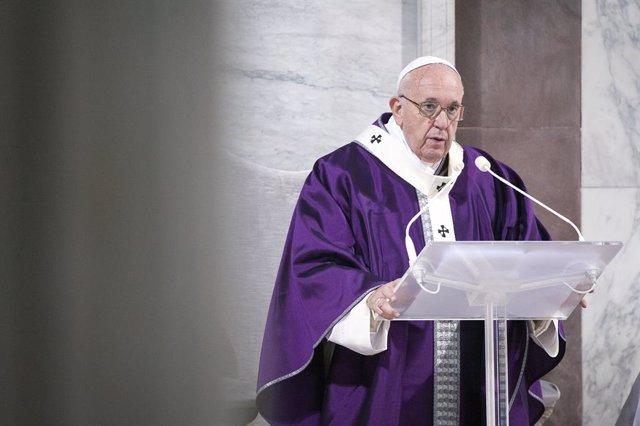Coronavirus.- El Vaticano pospone a noviembre la reunión del Papa con jóvenes pr
