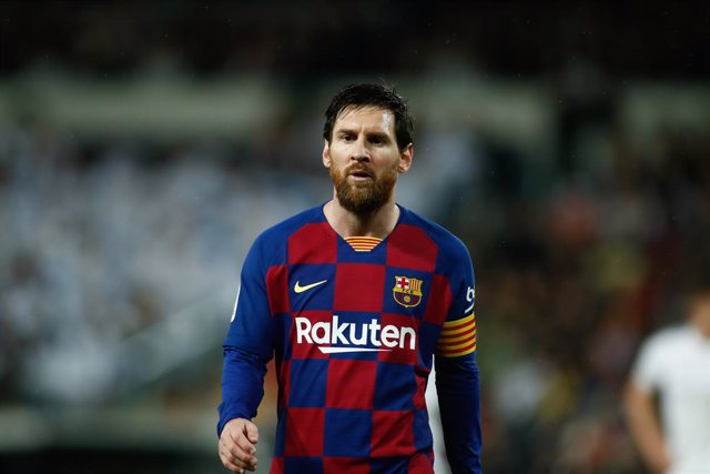 Fútbol/Pichichi.- Messi acusa el Clásico, pero aguanta de Pichichi