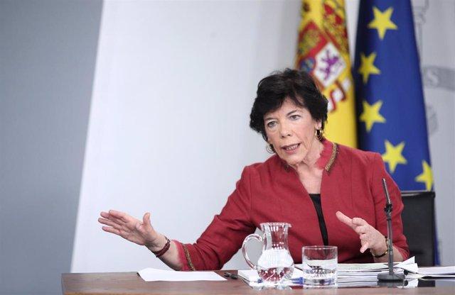 La ministra de Educación y Formación Profesional, Isabel Celaá, en la rueda de prensa tras el Consejo de Ministros donde se ha aprobado esta martes la reforma educativa.