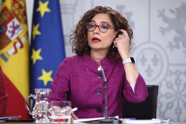 La ministra Portavoz y de Hacienda, María Jesús Montero, momentos antes de intervenir en la rueda de prensa posterior al Consejo de Ministros en el que se ha aprobado la ley de libertad sexual y reforma educativa, en Madrid (España), a 3 de marzo de 2020.