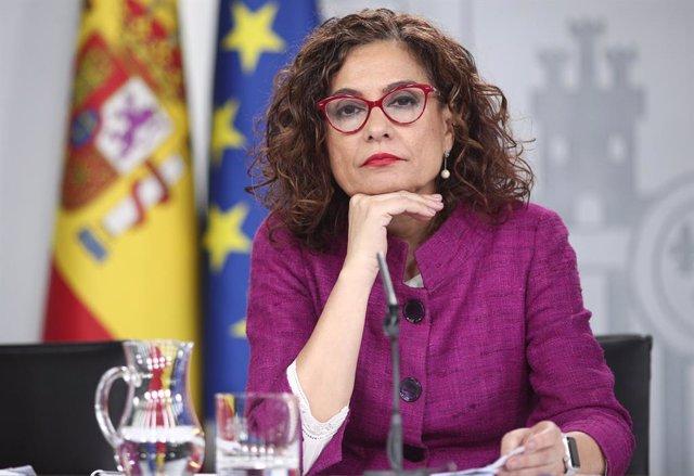La ministra Portaveu i d'Hisenda, María Jesús Montero, durant la roda de premsa posterior al Consell de Ministres en el qual s'ha aprovat la llei de llibertat sexual i reforma educativa, Madrid (Espanya), 3 de març del 2020.
