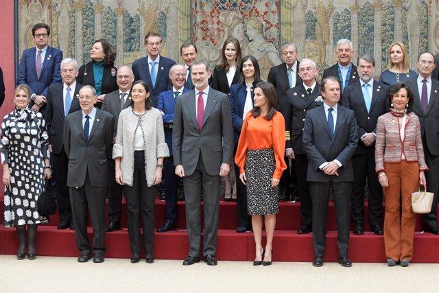 Economía.- El Rey anima a los embajadores honorarios de Marca España a mostrar l