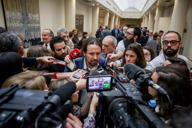 El vicepresidente segundo y ministro de Derechos Sociales y Agenda 2030, Pablo Iglesias, atiende a los medios de comunicación a su llegada a la sesión de control al Gobierno en el Senado, en Madrid (España) a 3 de marzo de 2020.