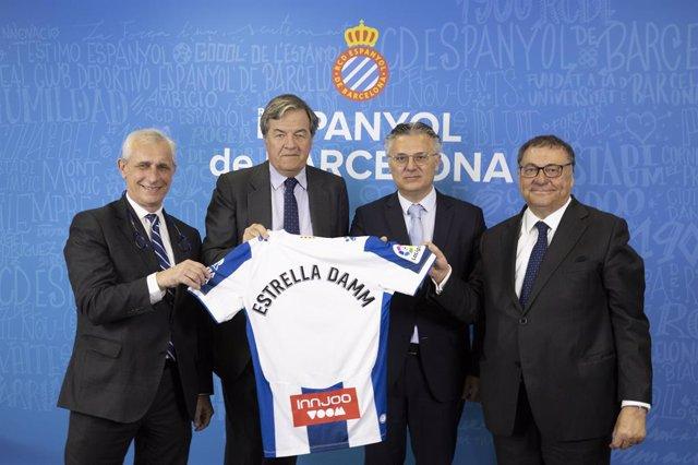 Fútbol.- Estrella Damm renueva su patrocinio del RCD Espanyol hasta 2023