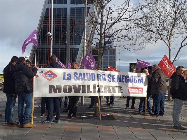 Concentración trabajadores de Metro en juzgados de Plaza Castilla