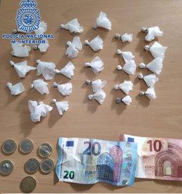 Droga y dinero intervenidos en operaciones en Sanlúcar de Barrameda (Cádiz)