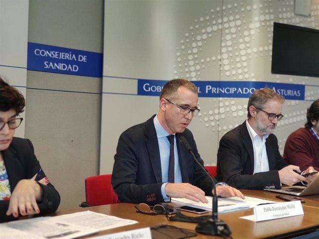 El consejero de Salud, Pablo Muñiz, informa en rueda de prensa de la evolución del coronavirus en Asturias, junto a Rafael Cofiño, Concepción Saavedra e Ismael Huerta.