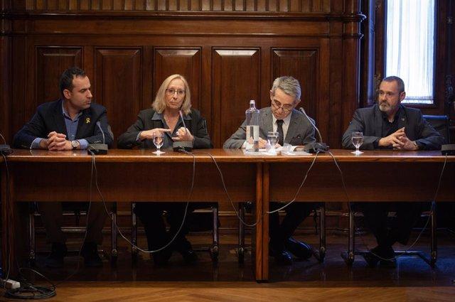 Constitució de la comissió d'estudi de la seguretat del sector de la petroquímica al Parlament de Catalunya (Barcelona)