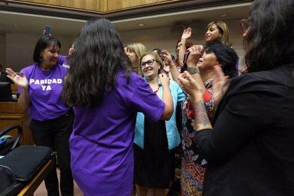 Chile.- El Senado de Chile aprueba la paridad de género para el proceso constituyente