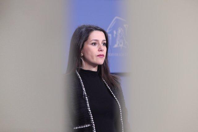 La portavoz de Ciudadanos en el Congreso y candidata a liderar el partido, Inés Arrimadas, ofrece una rueda en la Cámara Baja un día después de su debate con su rival. Francisco Igea, en Madrid (España), a 5 de marzo de 2020.