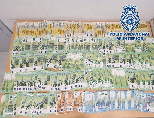 Dinero incautado en una operación antidroga de la Policía Nacional
