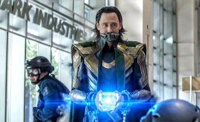 Tom Hiddleston es Loki en Vengadores: Endgame