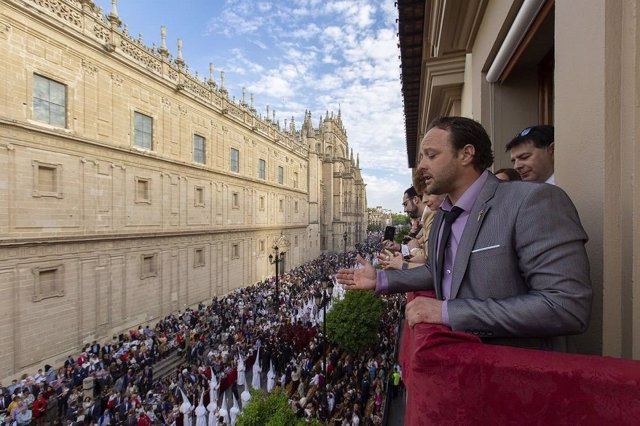 COMUNICADO: Saimaza sortea balcones para disfrutar de la Semana Santa sevillana