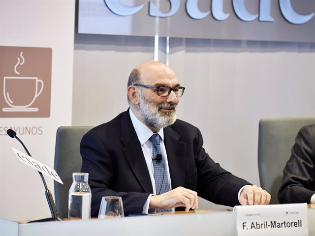 El presidente ejecutivo de Indra, Fernando Abril Martorell, en los Desayunos Esade