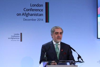 AMP4.- Afganistán.- Al menos 27 muertos en el ataque contra un acto en Kabul con el primer ministro afgano