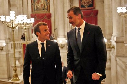 Casa Real.- Los Reyes viajarán a París a los actos del día de víctimas del terrorismo y asistirán a un almuerzo ofrecido por Macron
