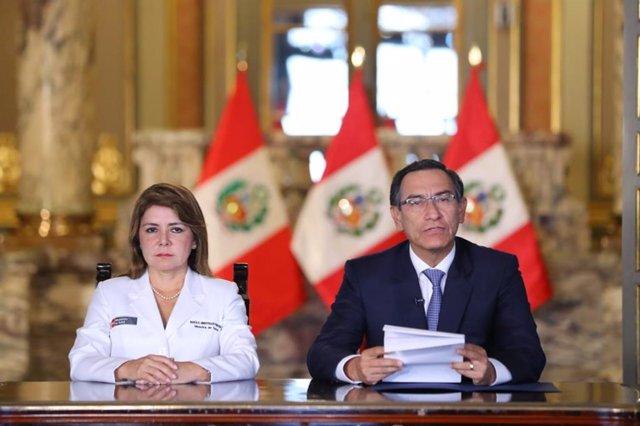 Elizabeth Hinostroza y Martín Vizcarra