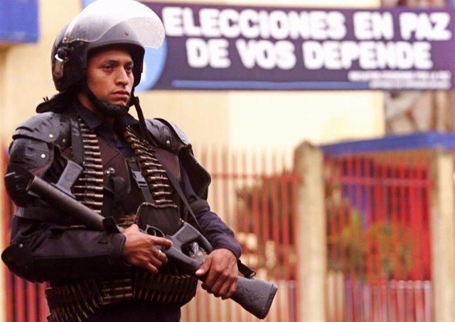 Policía nicaragüense en Managua (Imagen de archivo)
