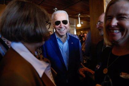 EEUU.- Biden sigue despuntando en las encuestas tras su éxito en el 'supermartes'