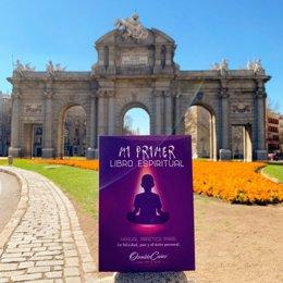 El coach Osvaldo Cañez lanza su primer libro y anima a ayudar a los desfavorecid