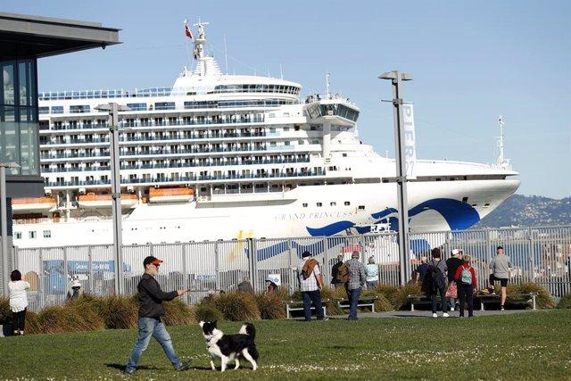 EEUU confirma 21 casos de coronavirus en el crucero que se encuentra frente a la