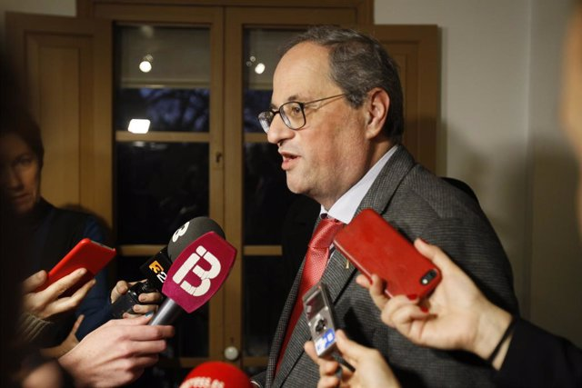 El president de la Generalitat de Catalunya, Quim Torra, atén els mitjans de comunicació.