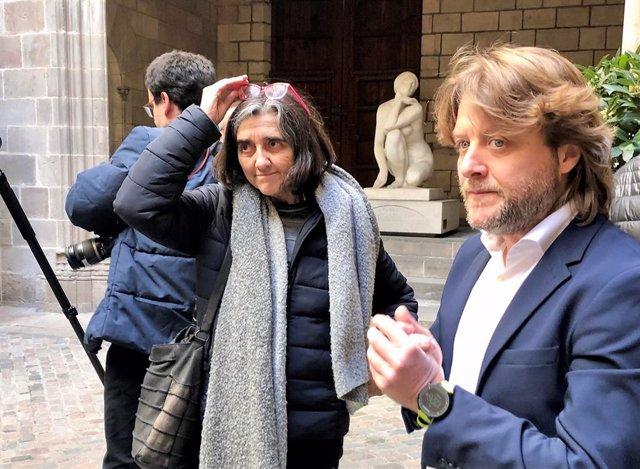 La gerent de l'Agència de Salut Pública de Barcelona, Carme Borrell, i el regidor d'Esports de l'Ajuntament de Barcelona, David Escudé
